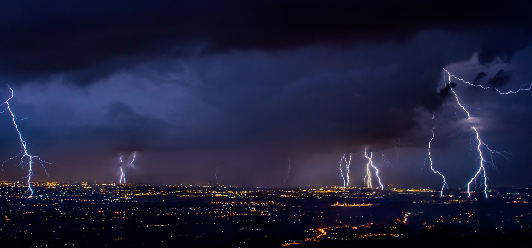 villam-vihar-tulfeszultsegvedelem-dunacomp-informatika-dunaujvaros